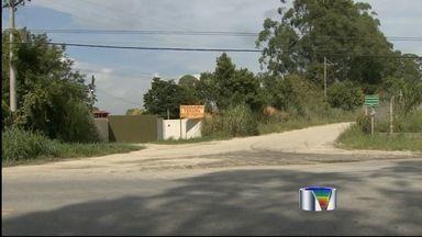 Cabo do Exército é preso após sequestrar flanelinha em Taubaté, SP - Militar de 21 anos é suspeito de ter agredido, atirado e atropelado vítima. Crime ocorreu após cabo desconfiar que flanelinha havia furtado sua moto.