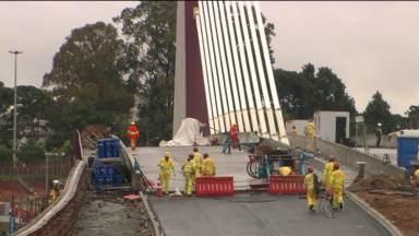 MTE vê riscos em obra do viaduto estaiado - Inspeção do Ministério do Trabalho apontou problemas com a obra em pelo menos duas frentes, e mandou parar parte da construção.