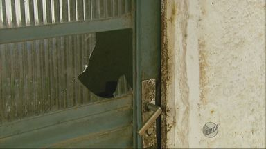 Pai e filho são encontrados baleados dentro de casa em Extrema, MG - Pai e filho são encontrados baleados dentro de casa em Extrema, MG