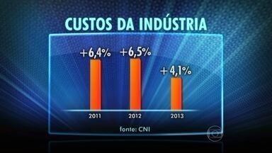 Gastos da produção da indústria aumentaram em 2013 - Em 2013, os gastos de produção da indústria brasileira subiram menos do que o esperado, o que ajudou a engordar os lucros do setor, segundo pesquisa da Confederação Nacional da Indústria