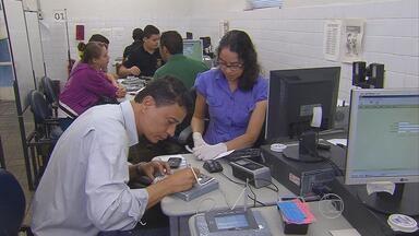 Justiça eleitoral prorroga prazo para quem ainda não fez o recadastramento biométrico - Sistema será usado em trinta e cinco cidades de Pernambuco, nas eleições de outubro.