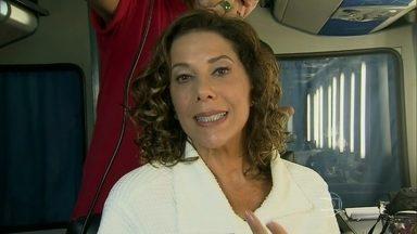 Angela Vieira sobre personagem problemática: 'Não gaste energia com isso' - Atriz interpreta uma mulher vingativa que não deixa o ex-marido em paz