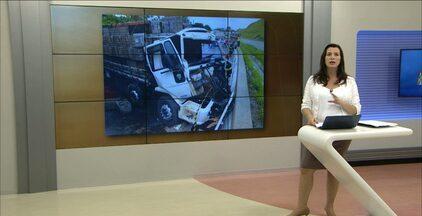 Acidente na divisa entre Paraíba e Pernambuco deixa trânsito parado - Caminhões de mesma empresa se envolveram em acidente.