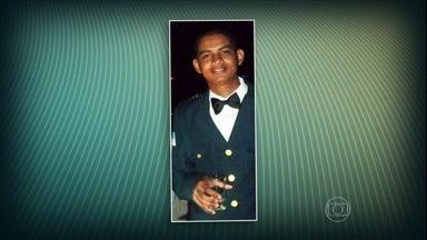 Subcomandante de UPP morre baleado no Rio - O tenente Leidson Acássio Alves Silva foi morto com um tiro na testa, durante um patrulhamento no conjunto de favelas da Penha. Em um mês, quatro policiais de UPPs foram mortos em favelas do Alemão.