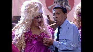 Reveja Paulo Silvino em momento divertido no Zorra Total - Divirta-se com o humorístico