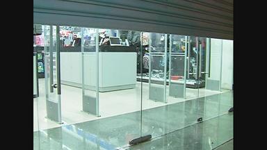 Cinco homens assaltam loja de informática em Caruaru, no Agreste - De acordo com a Polícia Militar, a ação foi rápida: o grupo só precisou de 10 minutos.