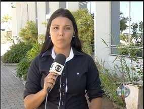 Filho mata o pai a facadas em Macaé, no interior do Rio - Em depoimento, adolescente disse que não tinha motivos para o crime.Tio segurou o menor até a chegada da PM; Mãe está em estado de choque.