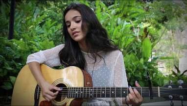 Manu Gavassi canta nova música depois de soltar a voz em cena - Confira 'Segredo' na íntegra em uma interpretação especial da cantora e atriz