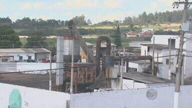 Fábrica de asfalto causa transtornos para moradores do bairro Jardim Rosália, em Campinas - Associação do bairro fez reclamações junto à Prefeitura de Campinas e à Cetesb.