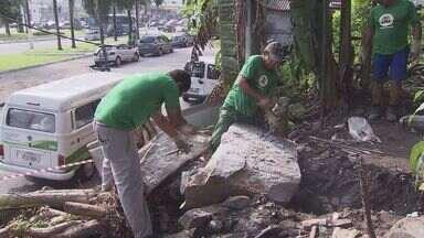 Prefeitura planeja obra no Morro do Pacheco, em Santos - No começo da semana uma pedra rolou e por pouco não atingiu uma casa.