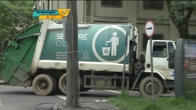 Parte do lixo de Curitiba volta a ser recolhido - A justiça determinou a volta de 40% dos lixeiros.