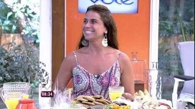 'Eu acredito muito no amor que vem da amizade', diz Giovanna Antonelli - Ana Maria recebe a atriz e revê cenas de Em Família