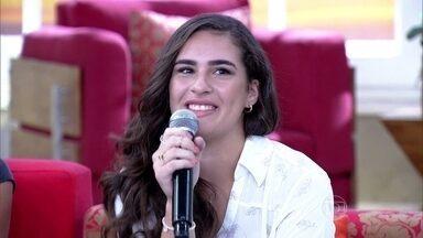Lívian fala sobre o estado de saúde do pai, Renato Aragão - Filha ainda conta como foi sua festa de 15 anos
