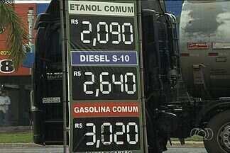 Alta no preço dos combustíveis pega motoristas de surpresa em Goiânia - Os motoristas que abasteceram o carro nesta semana em Goiânia se assustaram com o preço dos combustíveis, que subiram de uma vez.