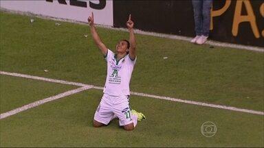 León vence Emelec por 3 a 0 e segue isolado na liderança do grupo 7 da Libertadores - Equipes fazem parte da chave do Flamengo, que está em situação complicada na competição.