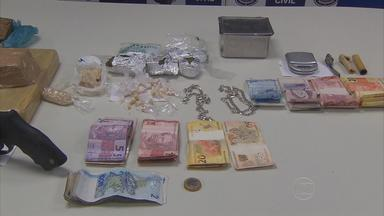 Integrantes de quadrilhas são suspeitos de mais de vinte homicídios - Segundo a polícia, usuários de drogas eram torturados por chefes de três quadrilhas acusadas de tráfico na Região Metropolitana.