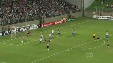 Atlético-MG fica no empate em 1 a 1 com Nacional-PAR, pela Libertadores - Ronaldinho marca de pênalti, mas não evite resultado ruim em casa.