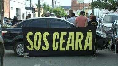 Policiais civis e federais fazem protesto em Fortaleza - As categorias reivindicam melhores condições de trabalho.