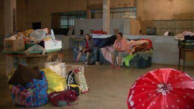 Famílias ficam desabrigadas por causa da chuva em São Miguel do Iguaçu - Outros moradores precisaram recorrer aos parentes