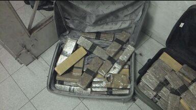 Polícia Federal prende suspeitos de tráfico internacional de drogas - Mais de dez pessoas foram capturadas, sendo quatro da Baixada Santista. Maior parte do esquema era comandado de Santos.
