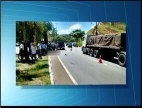 Homem de 85 anos morre atropelado em trecho da BR-381 em Ipatinga - Idoso tentava atravessar a BR quando foi atingido por uma caminhonete.