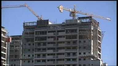 Levantamento mostra que números do setor da construção civil diminui no DF - Construção civil pisou no freio em 2013. Segundo a Codeplan, em 2013 foram apenas 18 lançamentos. Em 2012, foram 38. Motivo, foi a necessidade de vender apartamentos já prontos para morar.