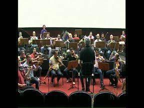 Orquestra da UEL comemora 30 anos com concerto especial - A apresentação vai ser na Catedral de Londrina. Integrantes da OSUEL contaram particularidades da orquestra nestas três décadas de existência