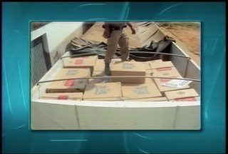 Carga com cerca de mil caixas de cigarros é apreendida em Porteirinha - Material estava em um carreta, um caminhão pequeno e uma kombi; quatro suspeitos também foram apreendidos, além de R$ 7 mil.
