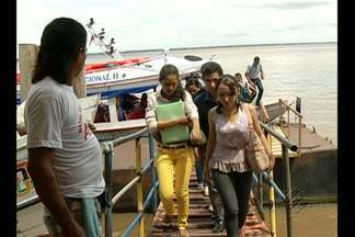 Portos encurtam distância entre alunos e educadores no Pará - Jovem faz travessia diária de Barcarena a Belém em busca de um sonho: concluir o curso de psicologia.