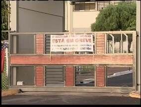 Agentes em greve fazem restrições durante visita a presídio - Apenas um parente por detento pode entrar no Centro de Detenção Provisória (CDP) de Caiuá.