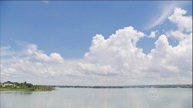 Nuvens levam rios para diferentes regiões do Brasil - Neste sábado (22), é comemorado o Dia Mundial da Água. O maior de todos os rios voadores do país arrasta, para a região mais habitada do Brasil, um volume de água maior do que o Rio Amazonas.