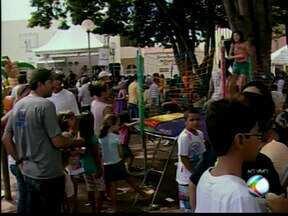 Primeira edição do 'Integração no Bairro' de 2014 é realizada em Uberaba - Cerca de 30 parceiros e secretarias da Prefeitura participaram. Evento ocorreu na Praça São Judas Tadeu.