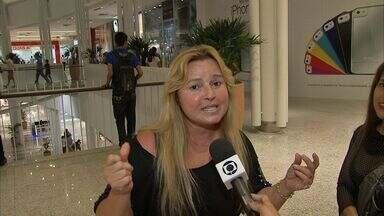 Miss Lene, ícone da discoteca dos anos 70 relembra seus grandes sucessos - Artista está passando férias em Fortaleza, sua terra natal.