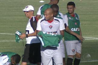 Atacante Souza não joga o BAVI deste domingo - O atleta chegou a treinar no time reserva, mas fica fora da partida por questões físicas.