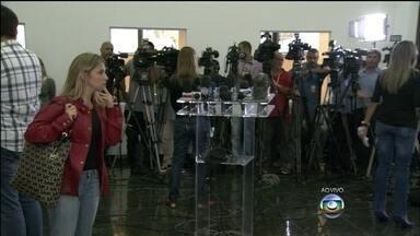 Começa reunião que vai definir como será o apoio de tropas federais em favelas do Rio - Uma reunião entre o Ministério da Justiça e a Secretaria de Segurança Pública vai decidir de que maneira será o apoio de tropas federais em favelas cariocas.