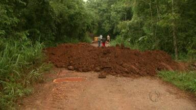 Acesso a comunidades rurais de Medianeira está prejudicado - Duas pontes estão com as estruturas ameaçadas e acessos estão muito precários, por causa da chuva e da falta de manutenção.