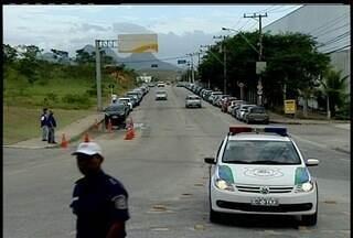 Ações da Guarda Municipal melhoram tráfego na RJ-106 - Em trecho Rio das Ostras/ Macaé, circulam 23 mil veículos por dia.Segundo o coordenador da Guarda, a previsão é que melhor ainda mais.