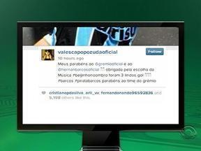 Na Rede: Valesca Popozuda agradece o pedido de Barcos - Jogador fez três jols e pediu 'Beijinho no Ombro' no Fantástico.