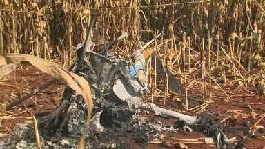 Aeronáutica apura queda de helicóptero em Ribeirão Preto, SP - Acidente matou piloto e passageiro no distrito de Bonfim Paulista.
