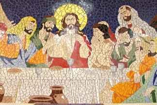 Comunidade em Valéria se especializa na arte dos mosaicos - Trabalho já rendeu belas obras espalhadas por toda a cidade.