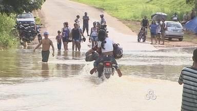 Moradores da Comunidade Santo Antônio, em Porto Velho, estão Ilhados - A estrada que vai até a comunidade está sem condições de tráfego.