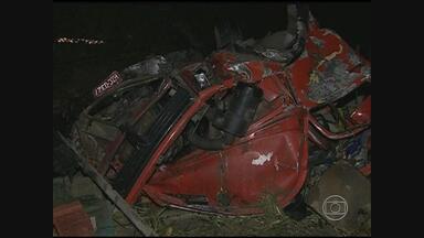Dois acidentes matam três pessoas na PE-120, no Agreste - Colisões ocorreram perto dos municípios de Agrestina e São Joaquim do Monte.