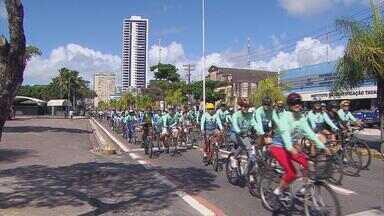 Passeio ciclístico une hábitos saudáveis a ações que estimulam a cidadania - Ruas ficaram tomadas por ciclistas pedalando em família por um mundo melhor.
