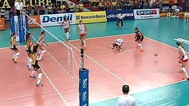 Pelo vôlei feminino, Praia Clube vence Sesi - Time de Uberlândia precisava ganhar para forçar quartas de final.
