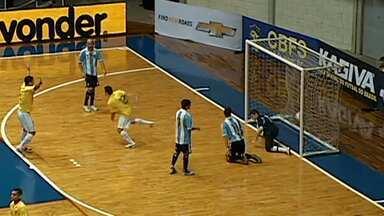 Na final da Copa das Nações, Brasil perde para Argentina - Time brasileiro estava sem o craque Falcão. Partida foi em Uberlândia.