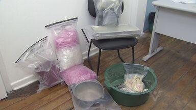 Policia de Praia Grande descobriu laboratório de drogas - Um homem foi levado para delegacia