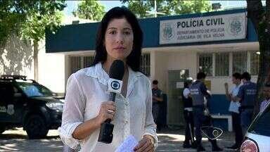 Universitários são presos após furto a loja de shopping no ES - Os jovens levaram cerca de R$800,00 em peças de roupas.Eles foram presos em flagrante ao tentar sair do shopping em Vila Velha.