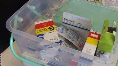 Farmacêutico mostra como guardar de forma correta os medicamentos - Segundo especialistas, iluminação, umidade e temperatura podem interferir no efeito do medicamento.