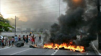 JPB2JP: Moradores do Porto do Capim fazem protesto no Centro Histórico - Reclamam de falta d'água.