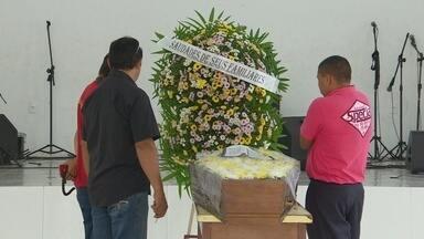 Em Manaus, criança morre engasgada com pedaço de churrasco - Caso aconteceu na noite desta terça-feira na Zona Oeste da capital; menina de 11 anos foi levada para unidade de saúde, mas não resistiu.